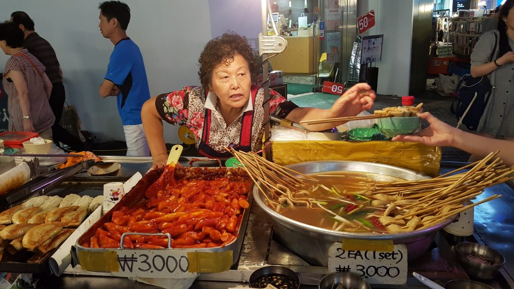Arm yourself with Travelan and you can commence your streetfood adventures. Photo: Streetfood in Seoul, South Korea