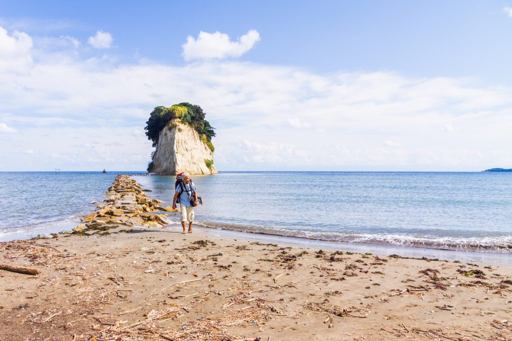 With Carstay, you can discover stunning off the beaten path locations such as Mitsukejima Island in Noto Peninsula