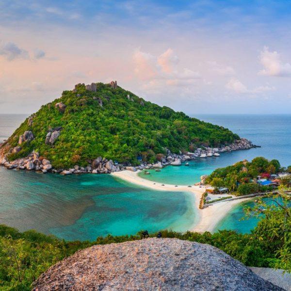 Island-Hopping in Thailand: A Quintessential Coastal Adventure