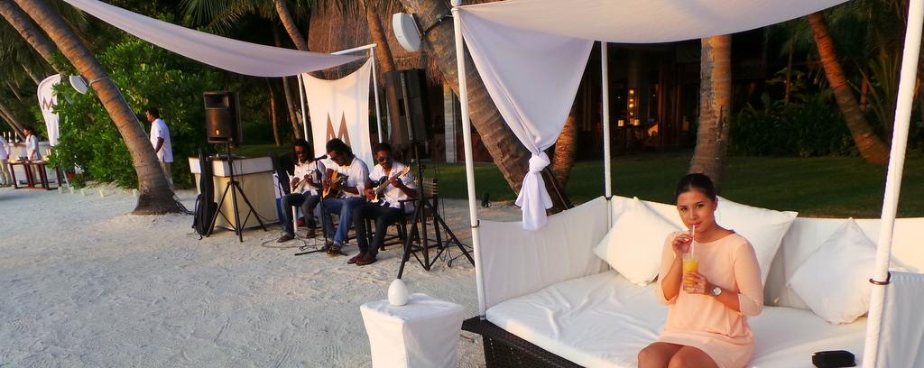 Sunset Cocktails at M Lounge, Shangrila's Villingili Resort & Spa Maldives