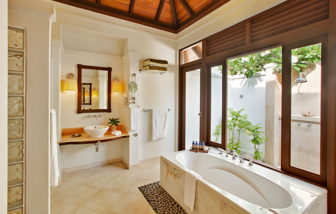 Deluxe Bungalow Bathroom. Kurumba Maldives