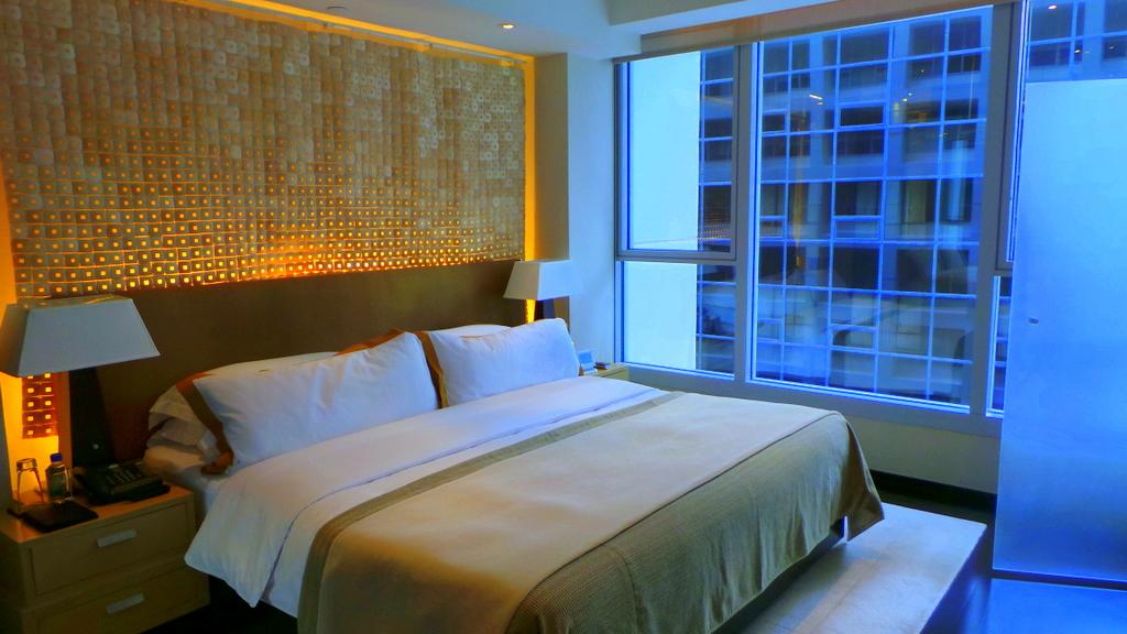 L600 Deluxe Room at the Landmark Mandarin Oriental