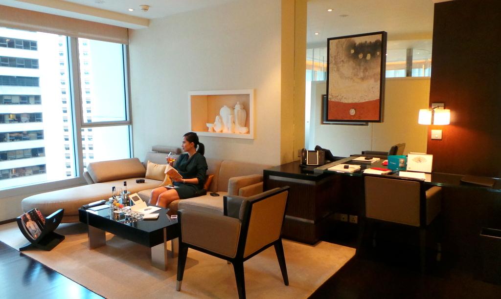 Deluxe L600 room at The Landmark Mandarin Oriental
