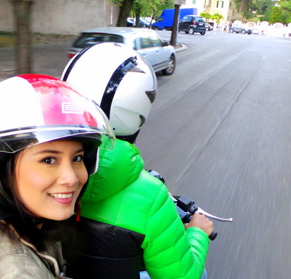 Exploring Rome in a Vespa with Scooteroma