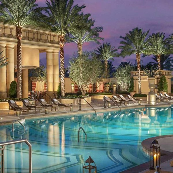 How to Enjoy a Lavish Stay in Las Vegas